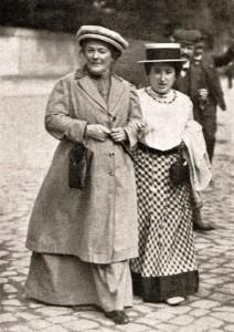 Clara Zetkin con Rosa Luxemburgo en enero de 1910.