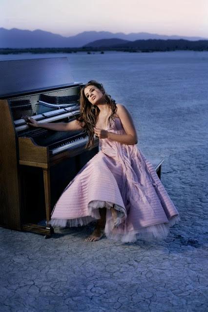 Lena Burke y el piano - Foto de Omar Cruz