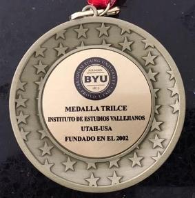 Medalla Trilce a Luis Alberto Ambroggio